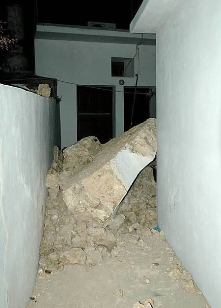 Earthquake of 8.1.2006 - Mitata house
