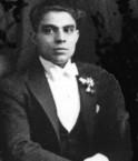 Dimitri George (Tzortzo)Poulos. (Hlihlis).