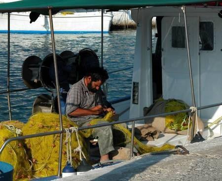 Fisherman in Kapsali - Ψαράς στο Καψάλι