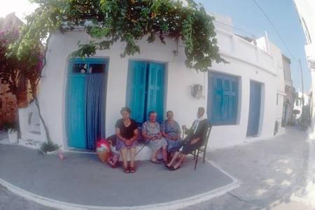'' sitting at the berzoula''