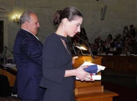 Fotini Tharra receiving her Eptanesian award