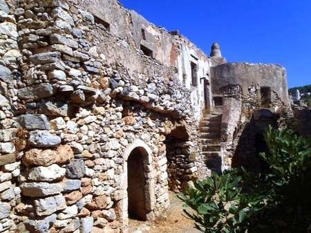 Old building at the Mylopotamos castle
