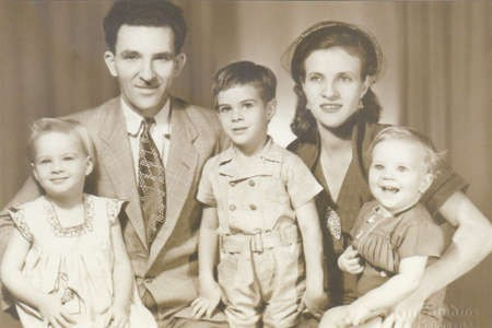 Jack Vanerey, Elessa Marendy's brother, with his wife Gella Atherinos, from Kastellorizo