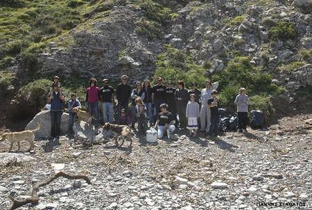 Kytherian Initiative's beach cleanup - Cleaning Fyri Ammos 3sA