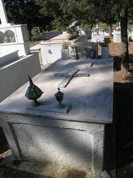 Semitekolou Tomb (1 of 3)