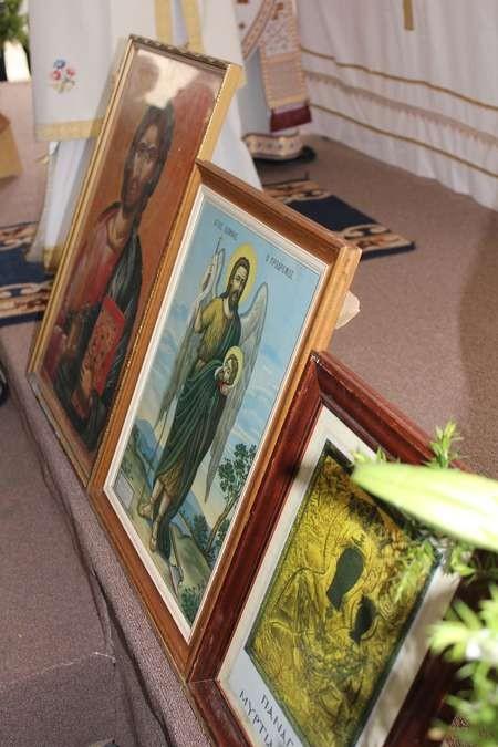 Icons on display... - 012 Saint Harry Twelve