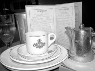 Busy Bee Cafe, Gunnedah, NSW Australia: Crockery and Menu