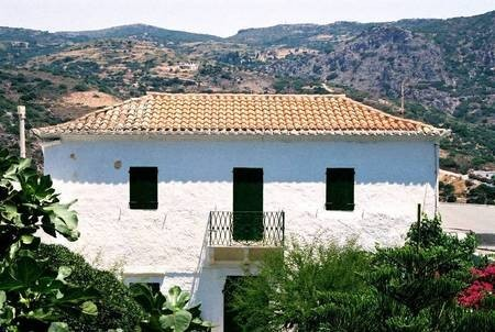 Kaloutsi (Calucci) mansion in Hora