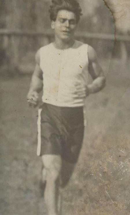 Jack Lewis. Marathon runner.