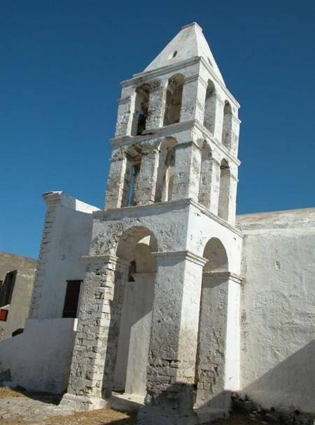 Castle ruins in Chora - Το παλιό κάστρο στη Χώρα