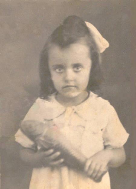 Vicky Calokerinos (née Fatseas) in 1948