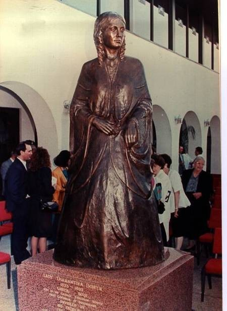 Contessa Diamantina Bowen - Bronze Statue - Hellenic Club, Brisbane, Queensland, Australia