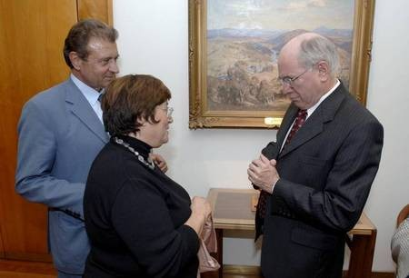 The Prime Minister of Australia, Mr John Howard, showing a very keen interest in Kytherian affairs..