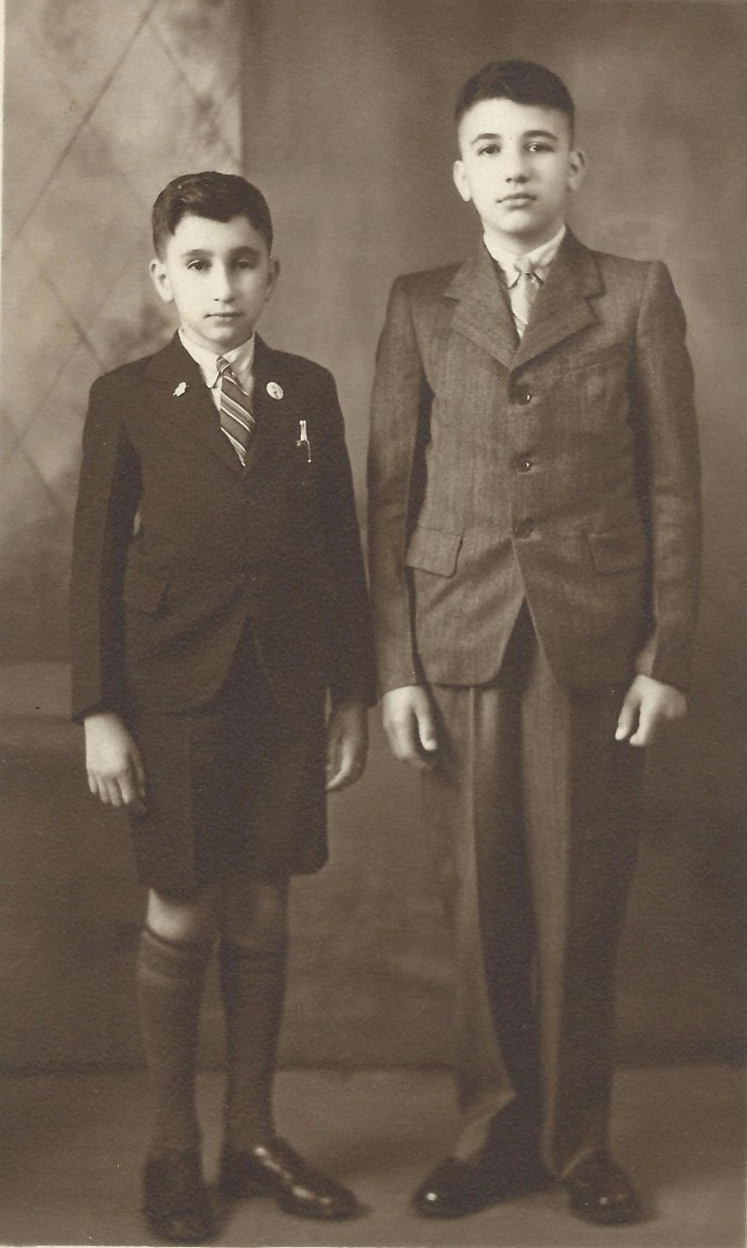 Arthur & Stephen Zantiotis 1943