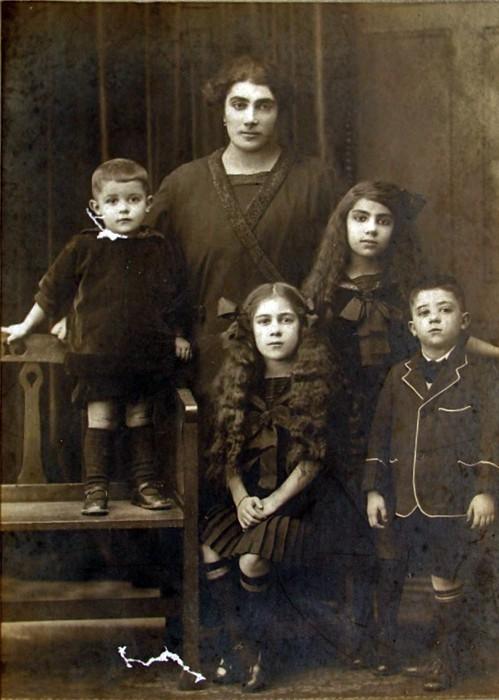 Mystery family portrait
