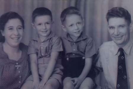 The Golden  Greeks - John Souryys Family 2