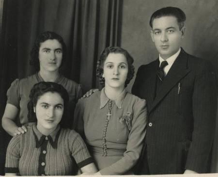 Yiannis Melitas Family  in Potamos, Greece