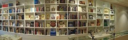 Kythera House. Level 1 / 24 King Street, Rockdale. 2216. NSW. - Library Vardas