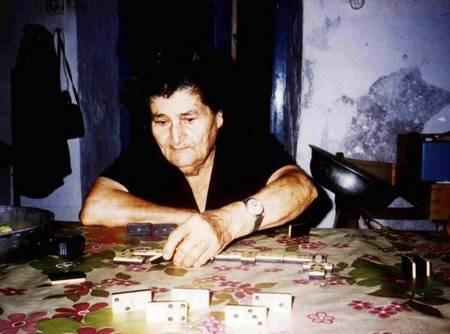 I Mummi, The Midwife, playing domino's.