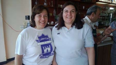 Kathy & Mary Calokerinos, Paul's daughters, eho helped organise the Canberra Cafe function